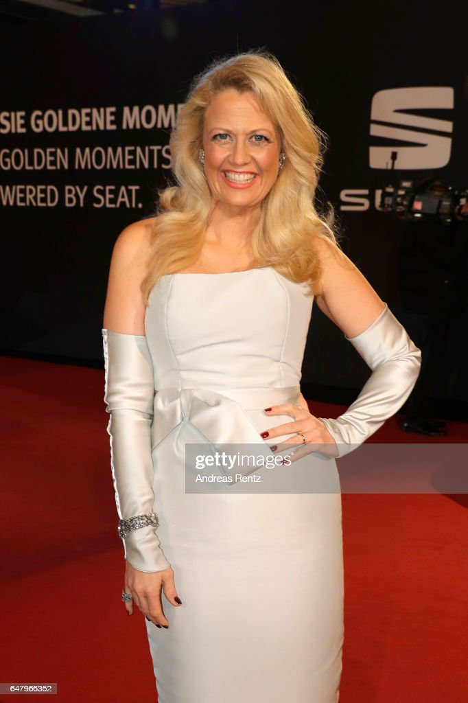 Barbara Schoeneberger arrives for the Goldene Kamera on March 4, 2017 in Hamburg, Germany.