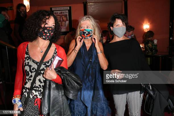 "Barbara Wussow, Jutta Speidel and Janina Hartwig during the premiere of the theatre play ""Schwiegermutter und andere Bosheiten"" at Komoedie im..."