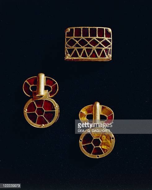 Barbarian civilizations France 5th century Goldsmith's art Treasure of Pouan princely burial of a Germanic warrior Cloisonne' enamel and gold clasps