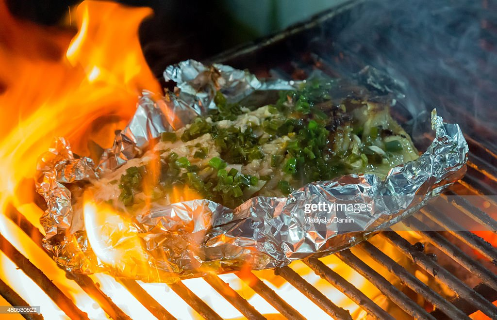 Barbecue cooking seafood. : Bildbanksbilder
