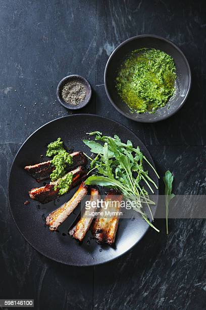 Barbecued pork ribs with parsley sauce