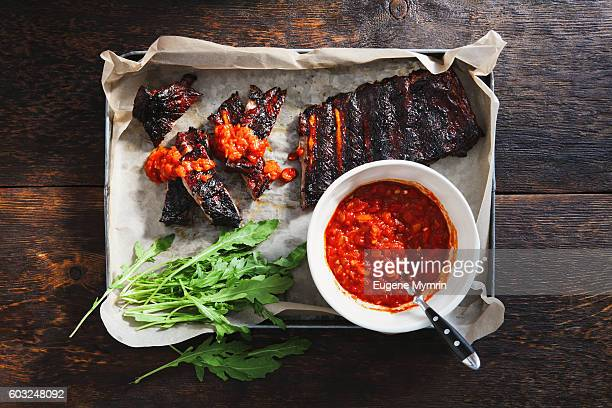 Barbecued pork ribs with tomato sauce