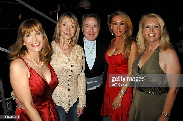 Barbi Benton Gunilla Hutton Roy Clark Linda Thompson and Misty Rowe