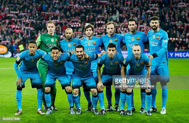 Barcelola line up for a team photo prior to the start the Copa del Rey Quarter Final First Leg match between Athletic Club and FC Barcelola at San...