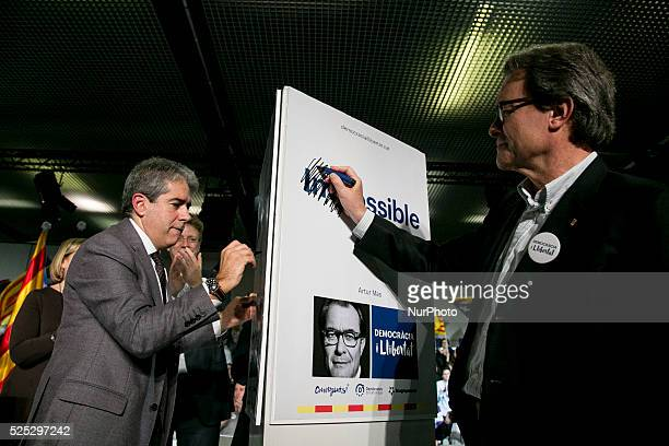 Barcelona Catalonia Spain December 18 Catalonia's president and leader of CDC Artur Mas during the quotDemocracia i Llibertatquot coalition final...
