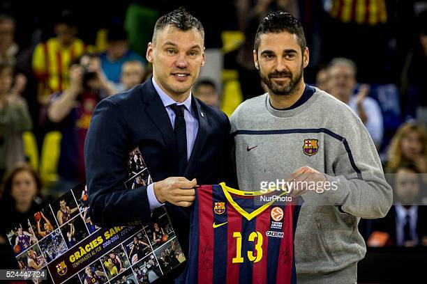 Barcelona Catalonia Spain January 30 2015 Juan Carlos Navarro of Barcelona and ��arunas Jasikevicius of Zalgiris Kaunas before the 20142015 Turkish...