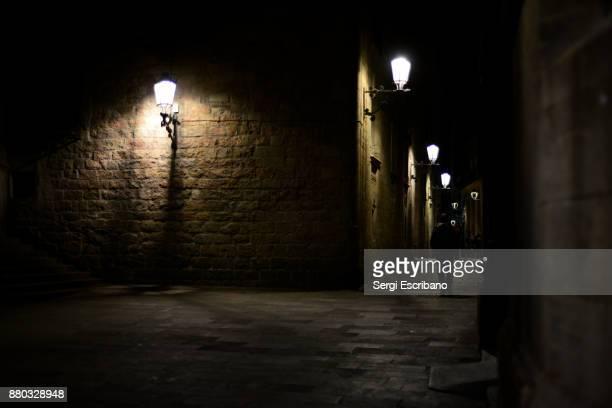 barcelona cathedral at night - bairro antigo imagens e fotografias de stock