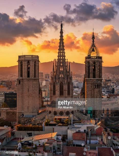 barcelona cathedral - la barceloneta stock-fotos und bilder