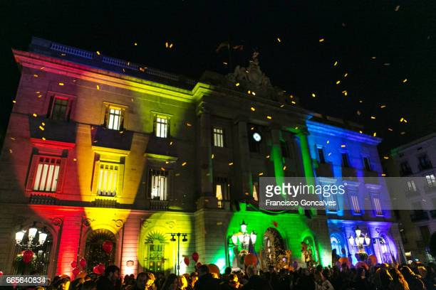 barcelona city hall illuminated - mardi gras stock pictures, royalty-free photos & images