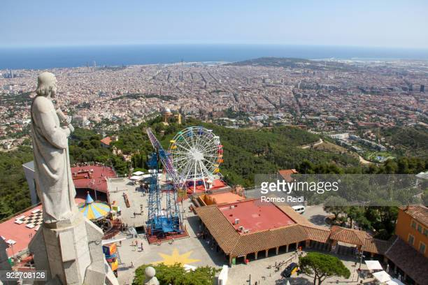 barcelona cityscape and the tibidabo amusement park 2 - sagrat cor stock pictures, royalty-free photos & images