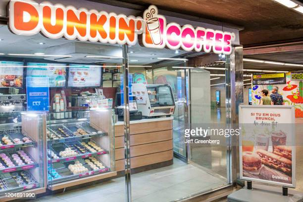 Barcelona Dunkin' Coffee caf_ in subway station