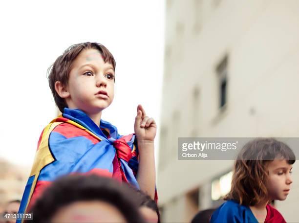 barcelona fans celebrating - football in spain stockfoto's en -beelden