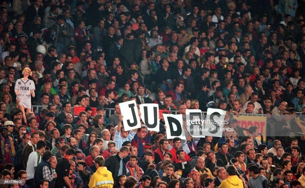 Spanish Soccer - Primera Division - Barcelona v Real Madrid : News Photo