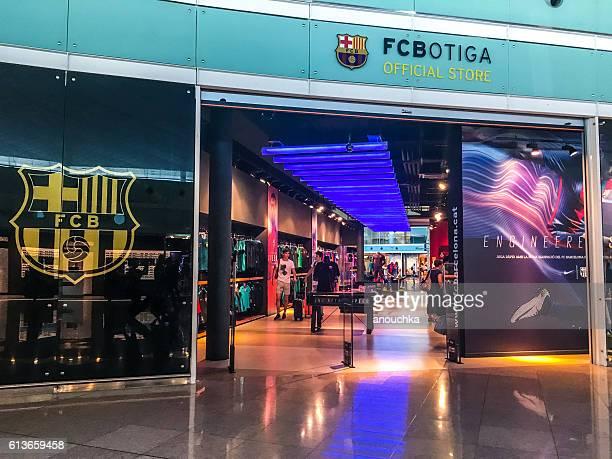 time de futebol de barcelona, espanha, loja oficial do ventilador - club football - fotografias e filmes do acervo