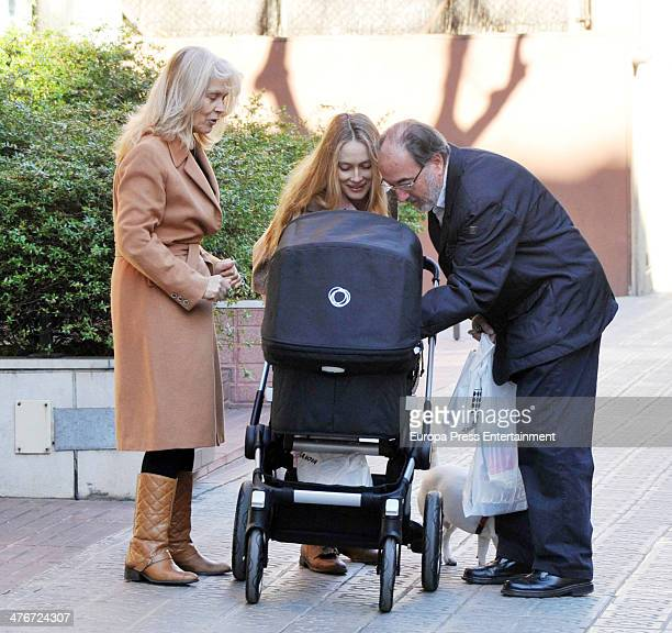 Barcelona football player Carles Puyol's girlfriend model Vanessa Lorenzo her mother and her newborn child Manuela are seen on February 4 2014 in...