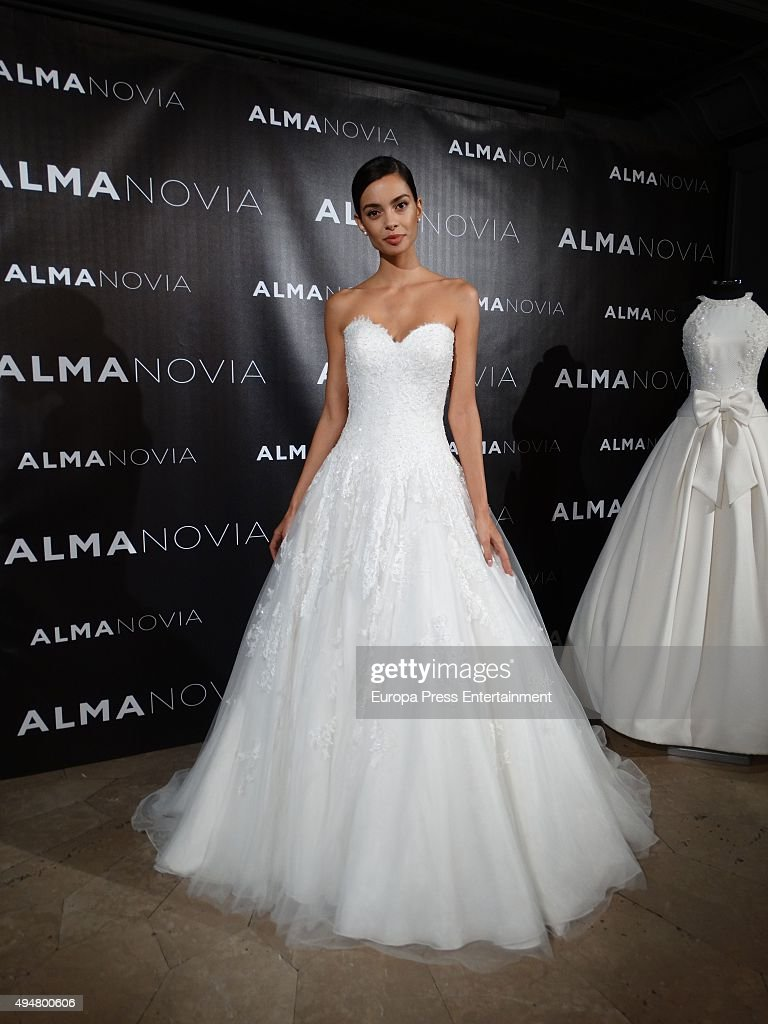 Joana Sanz Presents Alma Novia Wedding Dress Collection Photos And