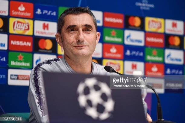 Barcelona head coach Ernesto Valverde looks on during a FC Barcelona press conference and training session at San Siro Stadium on November 5 2018 in...