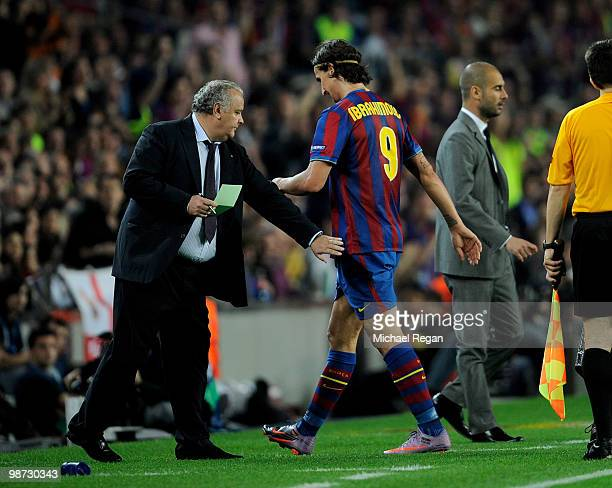 Barcelona manager Josep Guardiola subs Zlatan Ibrahimovic during the UEFA Champions League Semi Final Second Leg match between Barcelona and Inter...