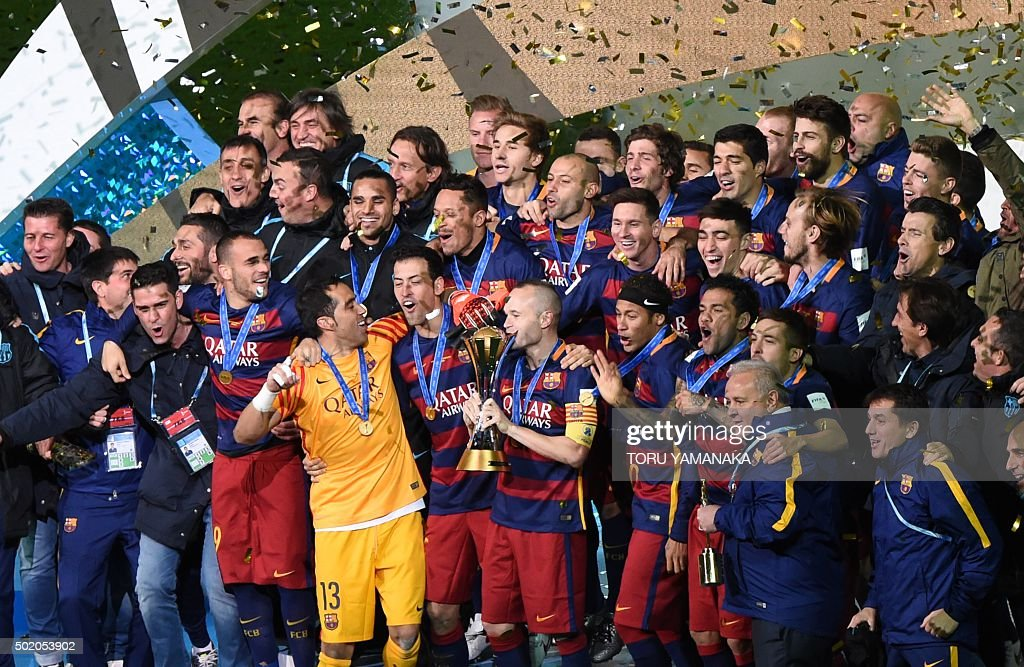 FBL-WCLUB-2015-BARCELONA-RIVER : News Photo