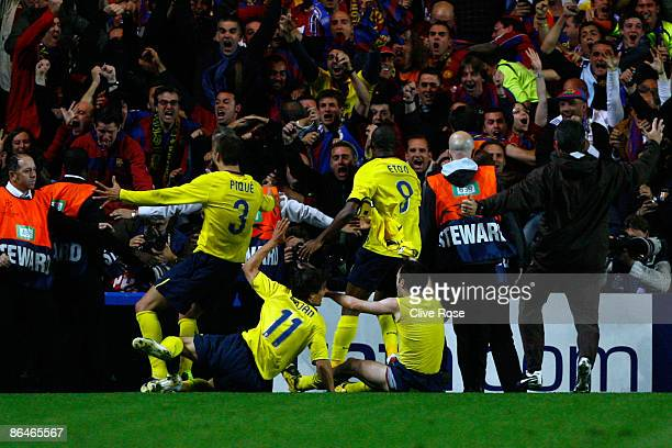 Barcelona players celebrates after Andres Iniesta of Barcelona scored during the UEFA Champions League Semi Final Second Leg match between Chelsea...