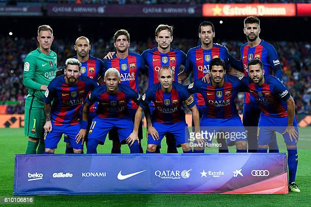 Barcelona players pose for a team picture prior to the La Liga match between FC Barcelona and Club Atletico de Madrid at the Camp Nou stadium on...