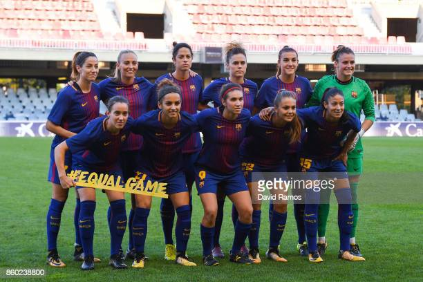 Barcelona players pose for a team picture prior to the UEFA Womens Champions League round of 32 match between FC Barcelona and Avaldsnes at the Mini...