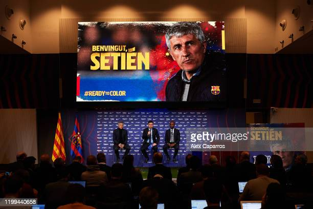 Barcelona President Josep Maria Bartomeu Head Coach Quique Setien and Sporting Director Eric Abidal pose for the media as Quique Setien is unveiled...