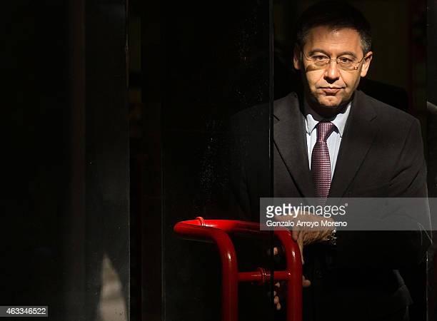 Barcelona president Josep Maria Bartomeu leaves Spain's High Court on February 13 2015 in Madrid Spain FC Barcelona president Josep Maria Bartomeu...