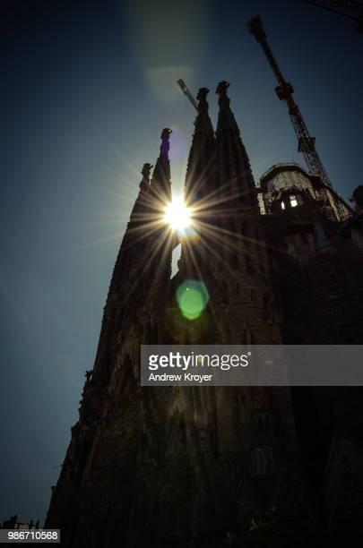 barcelona sagrada familia - familia stock pictures, royalty-free photos & images
