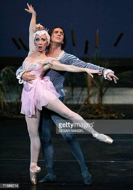 Argentinian dancer Julio Bocca and Eleonora Cassano perform Don Quijote at the Liceu Theatre in Barcelona 04 August 2006 Bocca will retire in 2007...