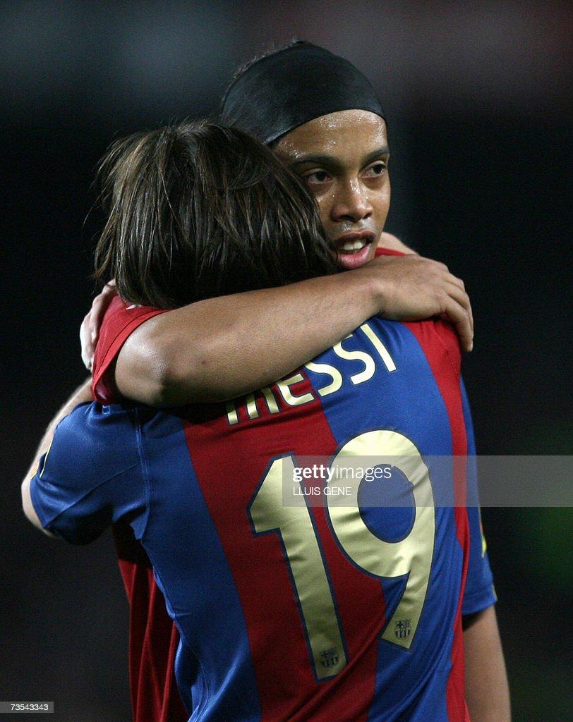 Barcelona's Argentinian Leo Messi celebr... : News Photo