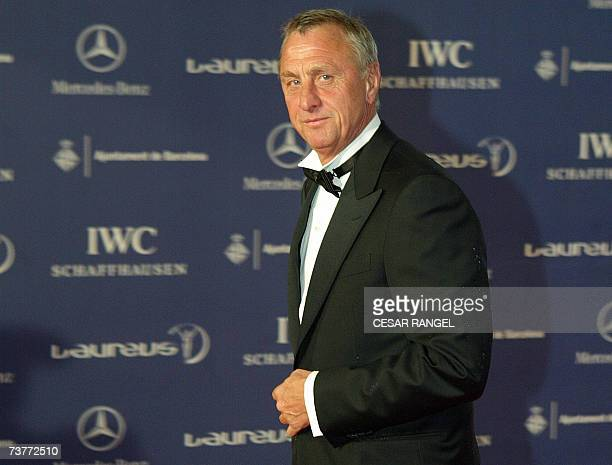 Holland's Johann Cruyff poses on arrival at the Laureus Sports awards taking place in the Palau Sant Jordi in Barcelona 02 April 2007 AFP PHOTO/CESAR...