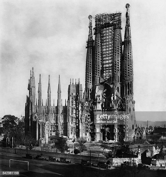 Barcelona, Spanien: Kirche 'Sagrada Familia' , AussenansichtArchitekt: Antonio Gaudi y Cornet- veröff. In Querschnitt 8/1929