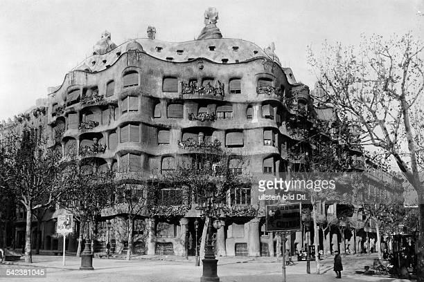 Barcelona, Spanien: Wohnhaus 'Milar la Padrera', AussenansichtArchitekt: Antonio Gaudi y Cornet- um 1929