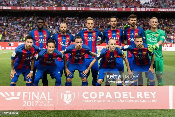Barcelona Squad pose for photos during the Copa Del Rey Final between FC Barcelona and Deportivo Alaves at Vicente Calderon Stadium on May 27 2017 in...