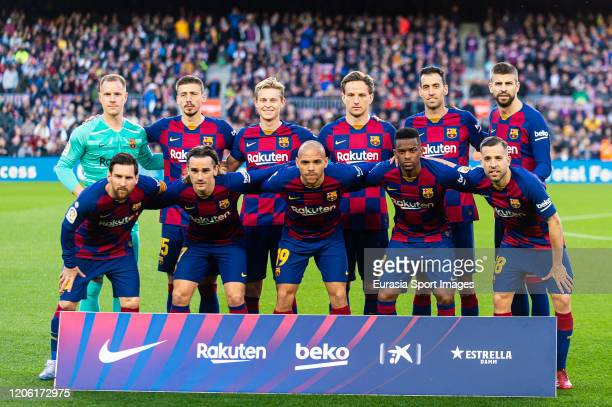 526 970 Barcelona Team Photos And Premium High Res Pictures Getty Images
