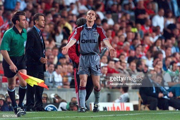 2 Barcelona/ESP Trainer Ottmar HITZFELD Mario BASLER/BAYERN