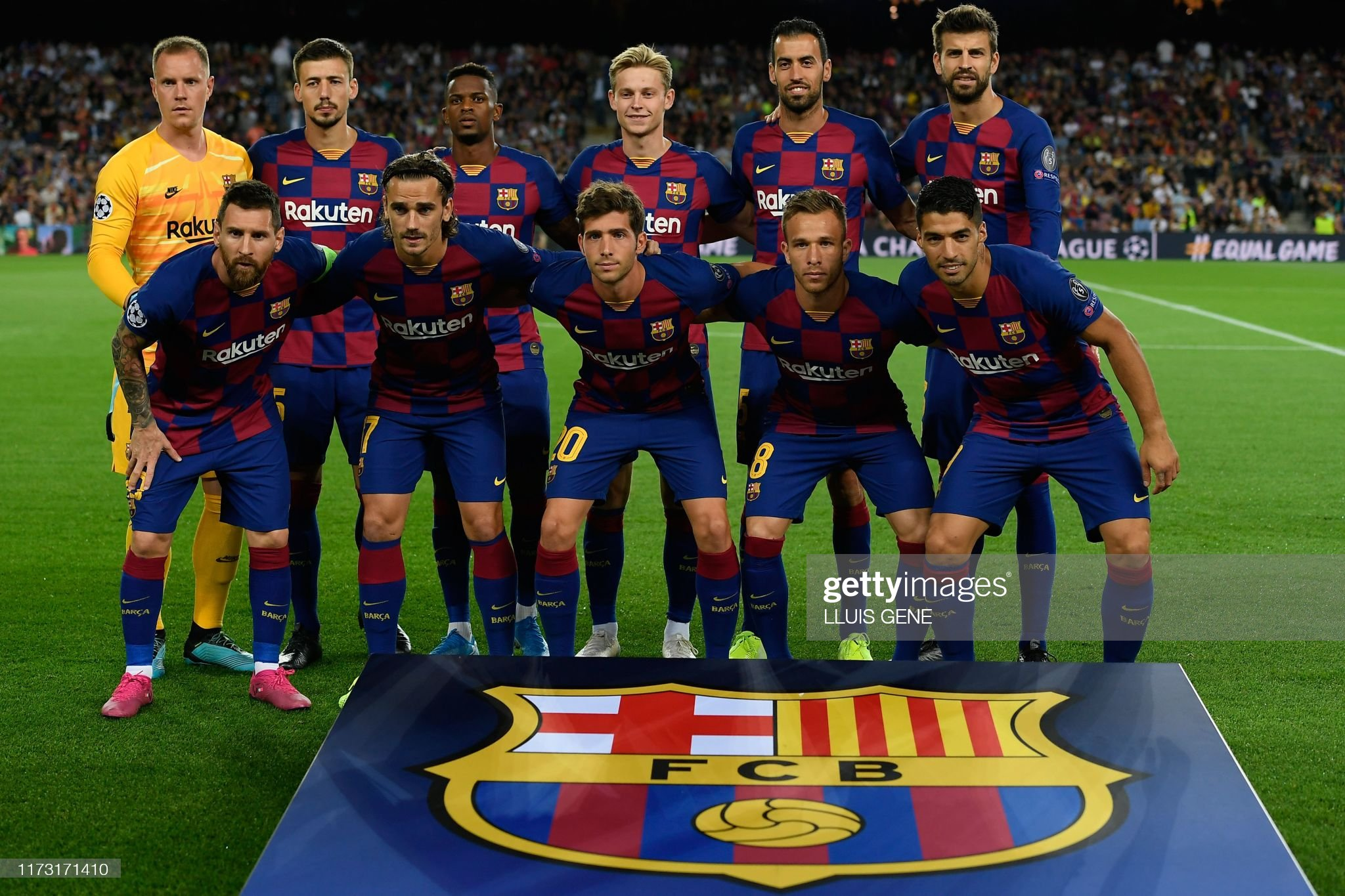 صور مباراة : برشلونة - إنتر 2-1 ( 02-10-2019 )  Barcelonas-argentine-forward-lionel-messi-barcelonas-french-forward-picture-id1173171410?s=2048x2048