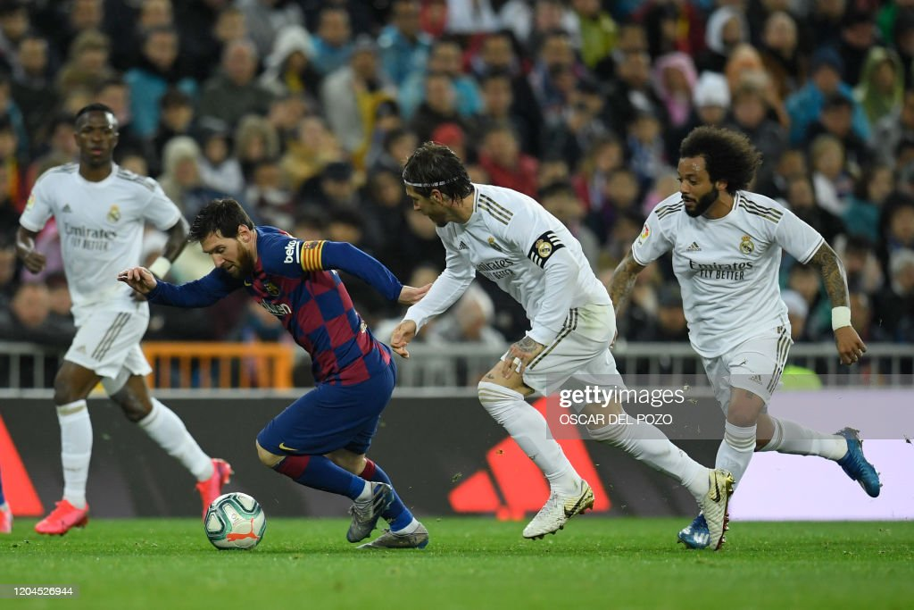 FBL-ESP-LIGA-REAL MADRID-BARCELONA : News Photo