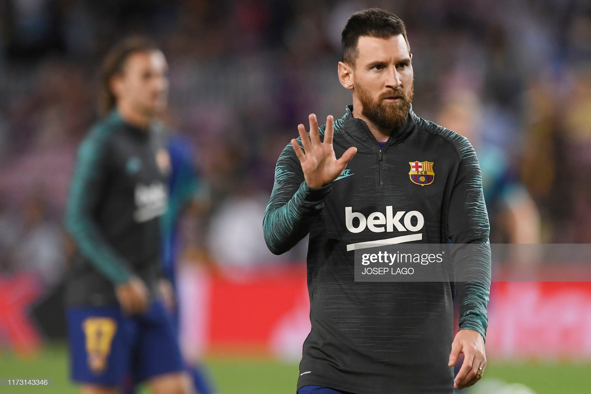 صور مباراة : برشلونة - إنتر 2-1 ( 02-10-2019 )  Barcelonas-argentine-forward-lionel-messi-warms-up-before-the-uefa-picture-id1173143346?s=2048x2048