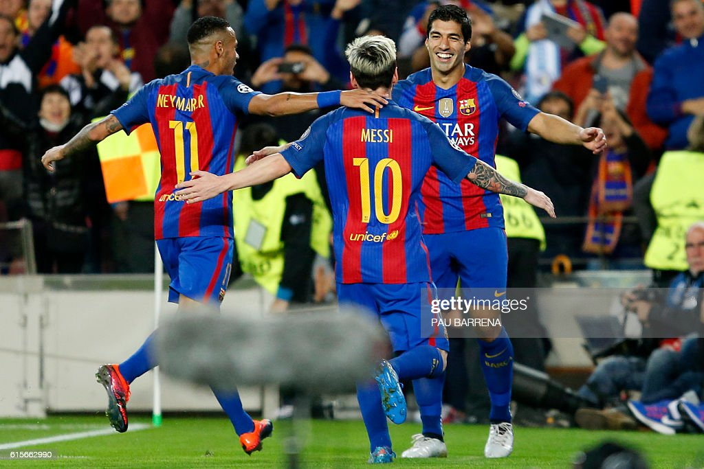 FBL-EUR-C1-BARCELONA-MAN CITY : News Photo