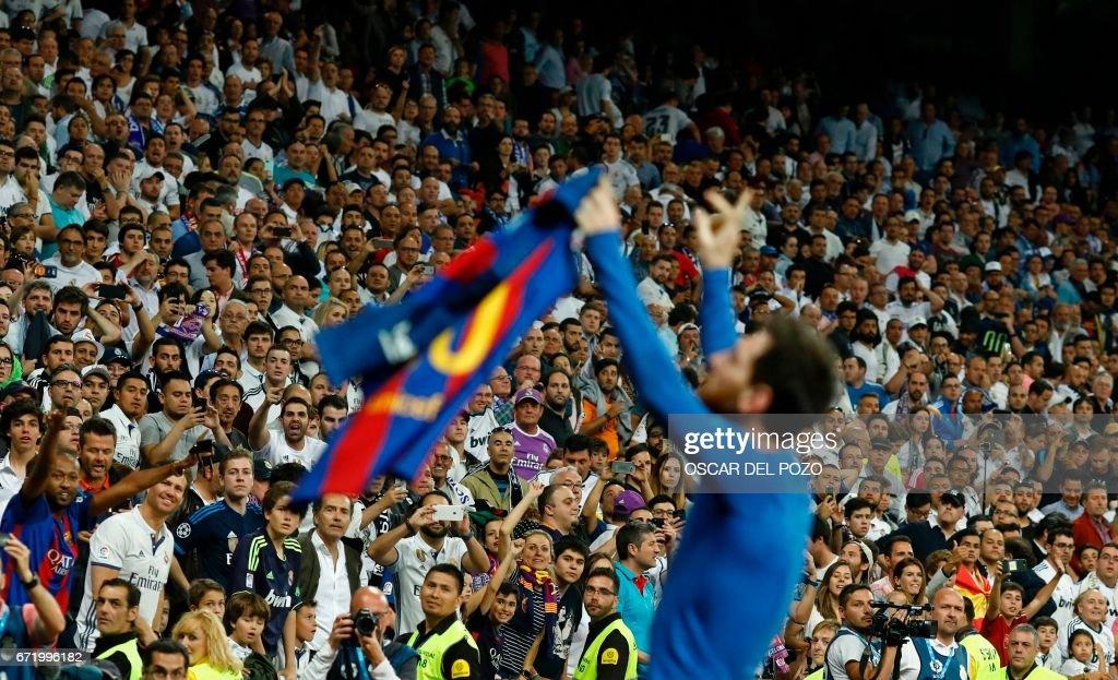 FBL-ESP-LIGA-REALMADRID-BARCELONA : News Photo