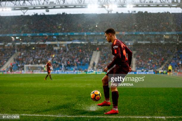 Barcelona's Brazilian midfielder Philippe Coutinho controls the ball during the Spanish league football match between RCD Espanyol and FC Barcelona...