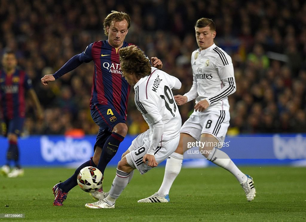 FBL-ESP-LIGA-BARCELONA-REALMADRID : News Photo