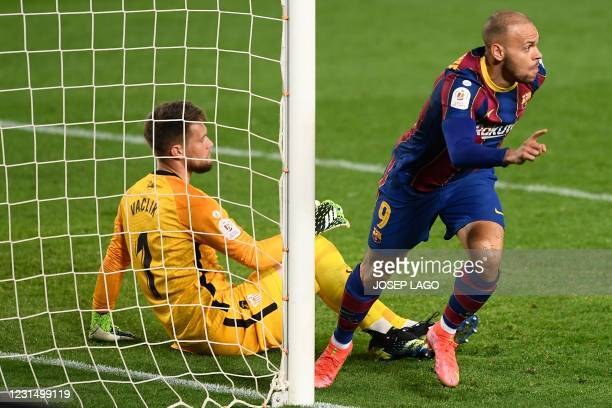 Barcelona's Danish forward Martin Braithwaite celebrates scoring his team's third goal during Spanish Copa del Rey semi-final second leg football...