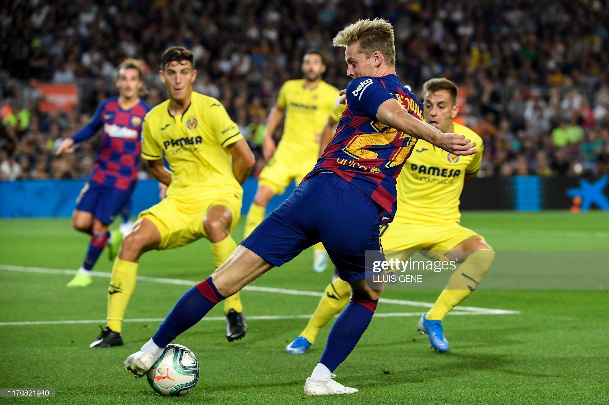 صور مباراة : برشلونة - فياريال 2-1 ( 24-09-2019 )  Barcelonas-dutch-midfielder-frenkie-de-jong-controls-the-ball-during-picture-id1170821940?s=2048x2048