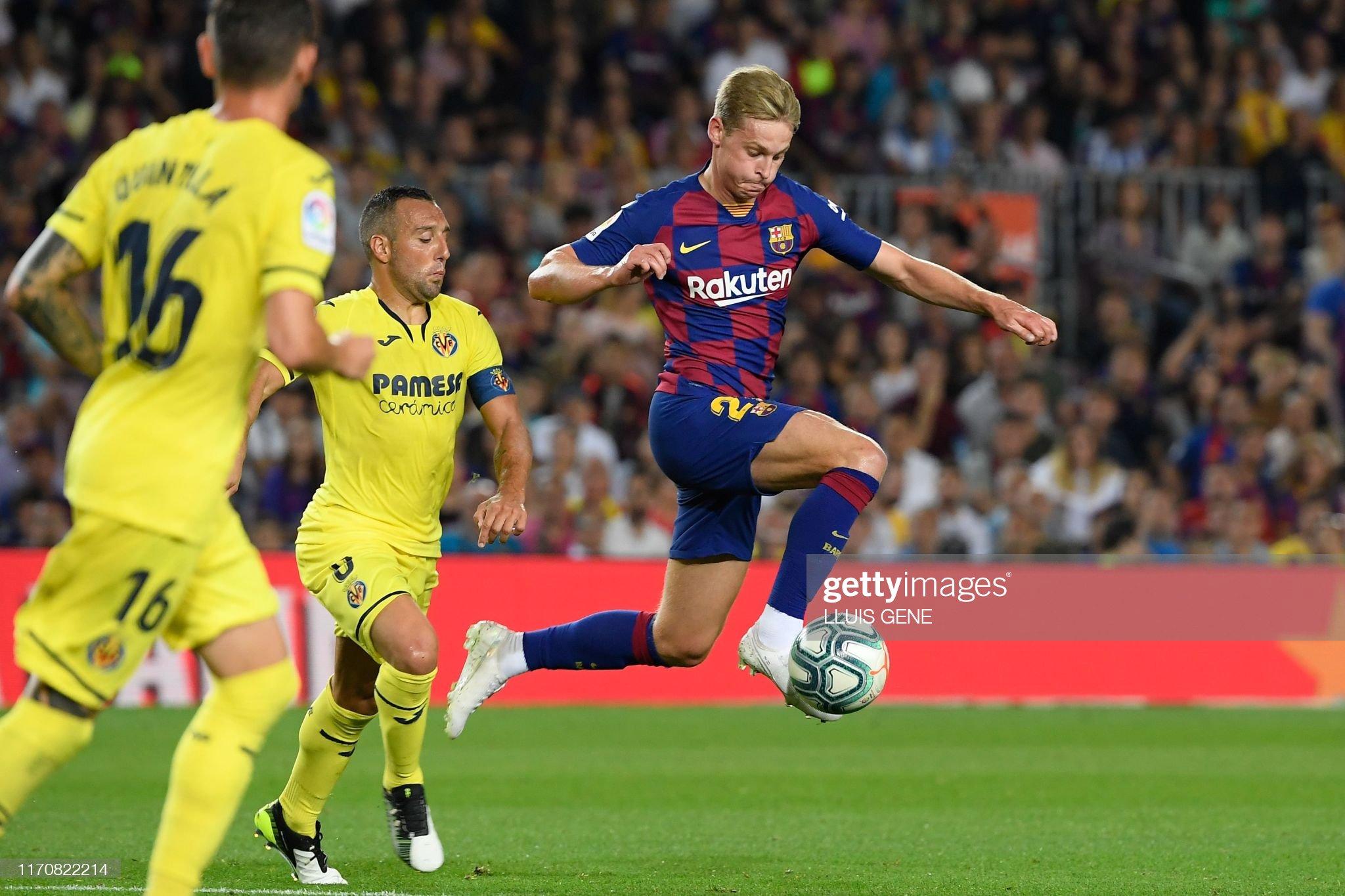 صور مباراة : برشلونة - فياريال 2-1 ( 24-09-2019 )  Barcelonas-dutch-midfielder-frenkie-de-jong-vies-with-villarreals-picture-id1170822214?s=2048x2048