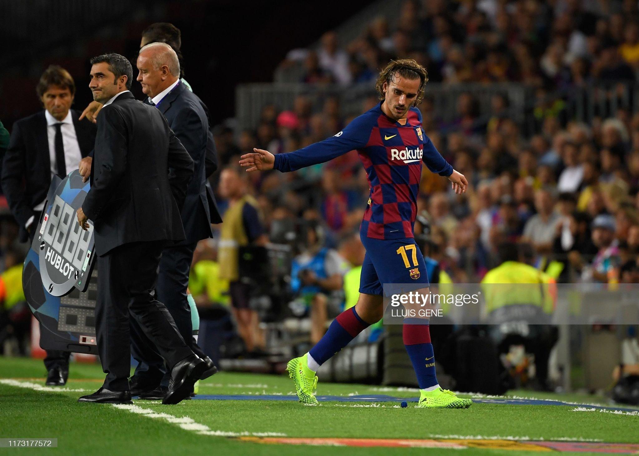 صور مباراة : برشلونة - إنتر 2-1 ( 02-10-2019 )  Barcelonas-french-forward-antoine-griezmann-leaves-the-field-during-picture-id1173177572?s=2048x2048