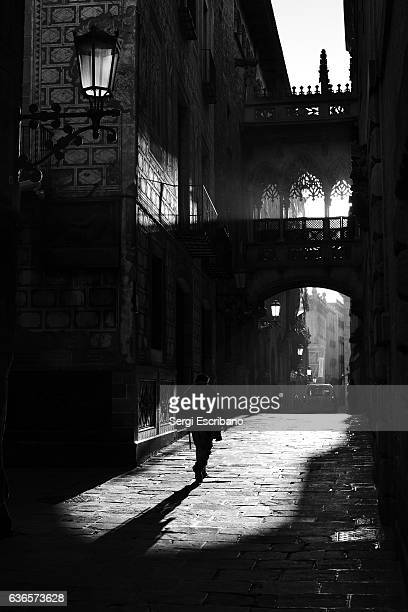 barcelona's gothic quarter - film noir style stock pictures, royalty-free photos & images