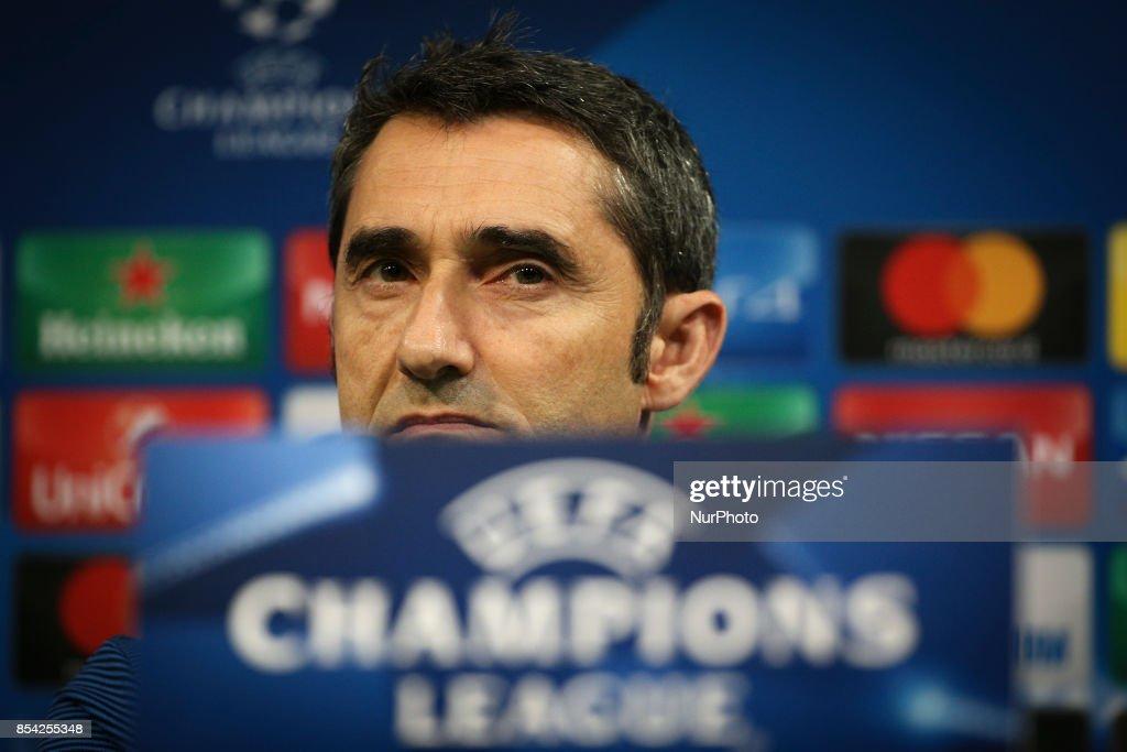FC Barcelona Press Conference : ニュース写真